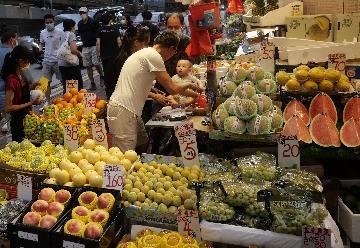 香港今年1月至9月零售业总销货价值同比下跌28.7%
