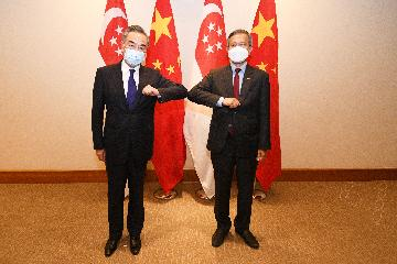 China, Singapore agree to further strengthen bilateral ties