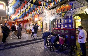 就地過年 北京22個重點商圈日均客流增長近九成
