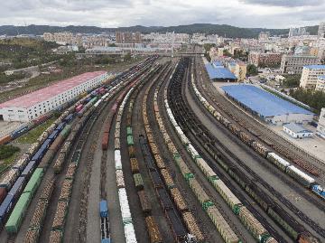 China to further optimize cross-border yuan policies