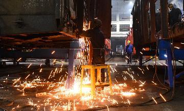 2021年1月财新中国服务业PMI降至52