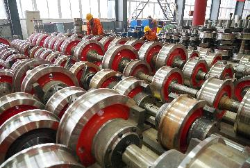 Chinas manufacturing PMI edges up to 51.9 in March