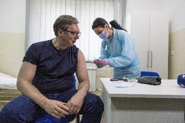 综述:控制疫情效果显著 中国疫苗海外获赞