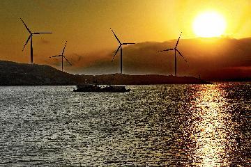 英媒:中国正加速推进能源转型