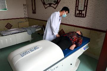China lists key tasks in medicine, healthcare reform for 2021