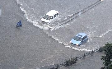 China earmarks 100 mln yuan of relief funds to flood-hit Henan